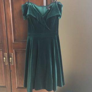 AQUA Off-The-Shoulder Velvet Dress